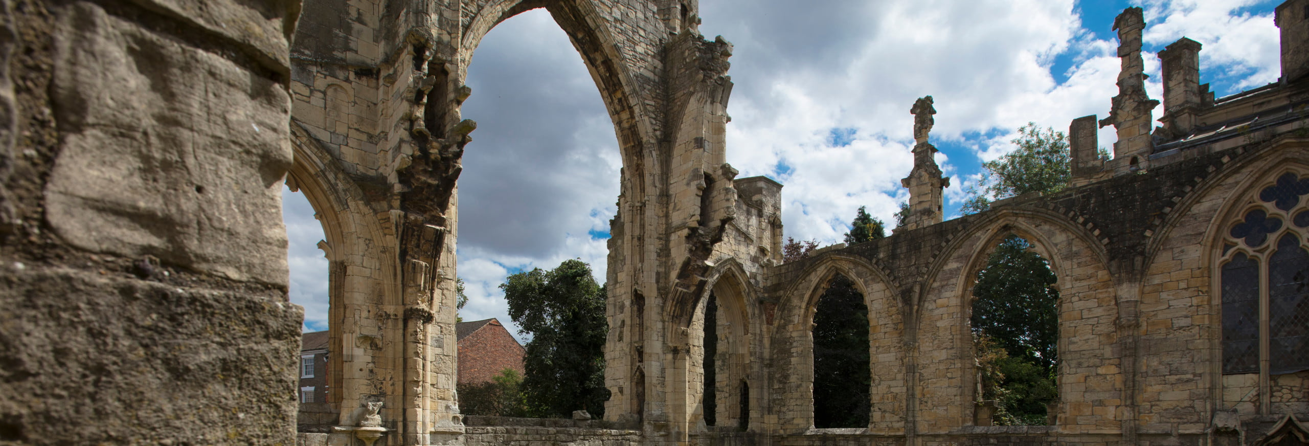 Howden Minster ruins Hull Trains Yorkshire