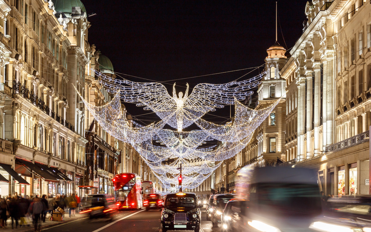 London lights Mayfair shopping hotels restaurants Hull Trains trip