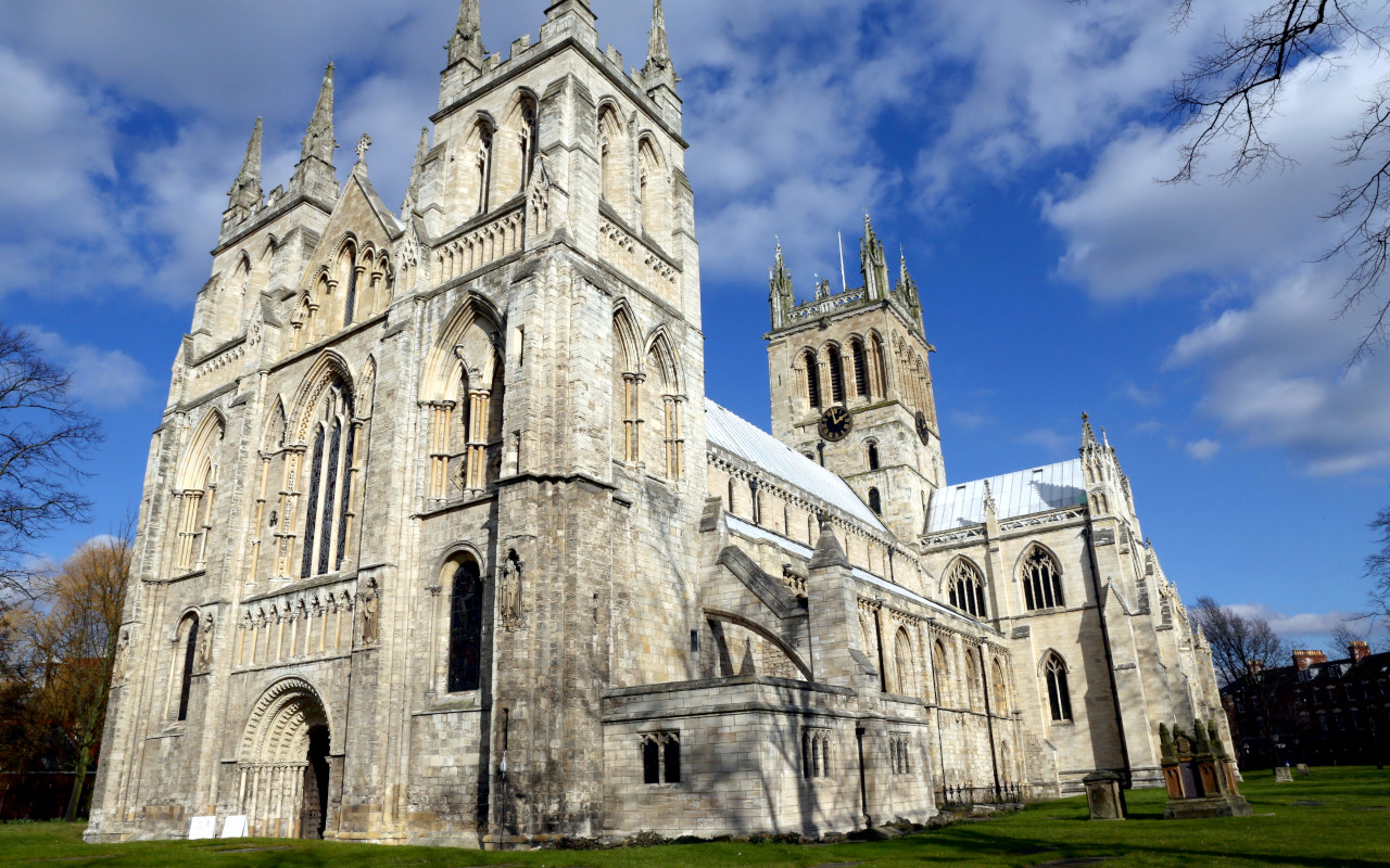 Visit Selby Abbey days out with Hull Trains