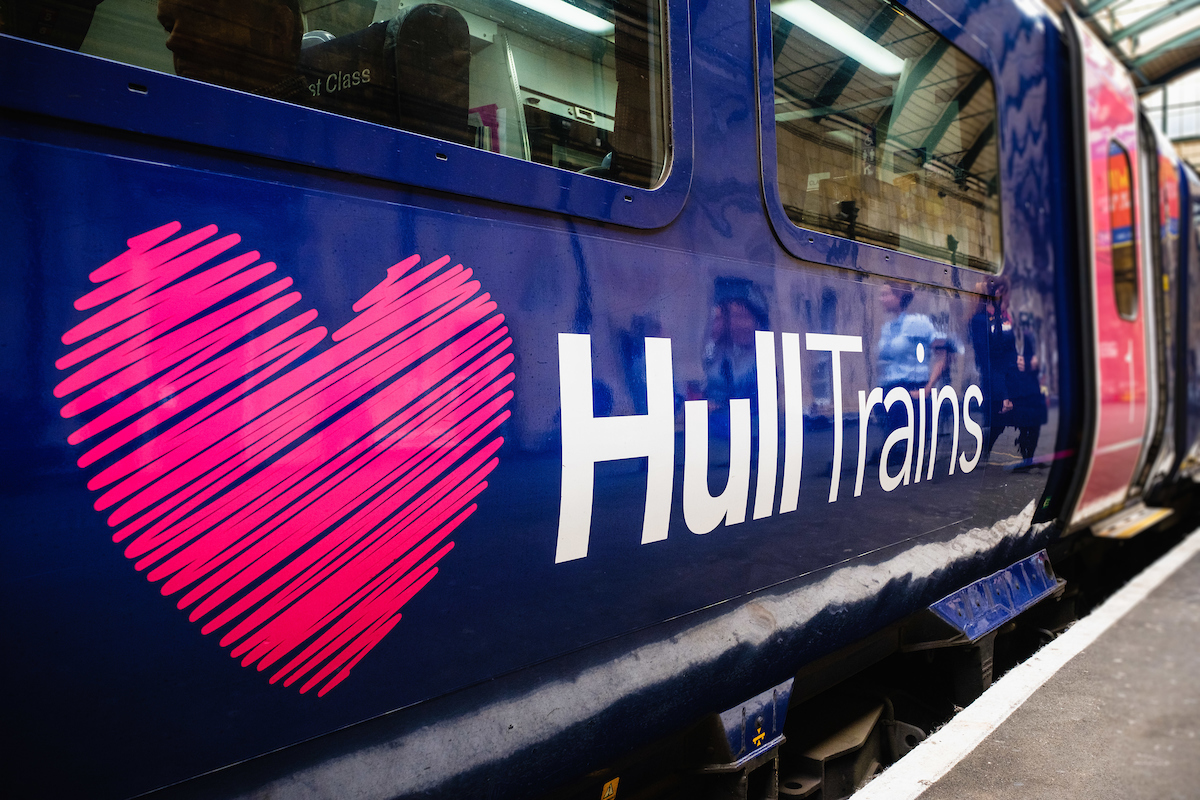 Hull Trains heart train logo