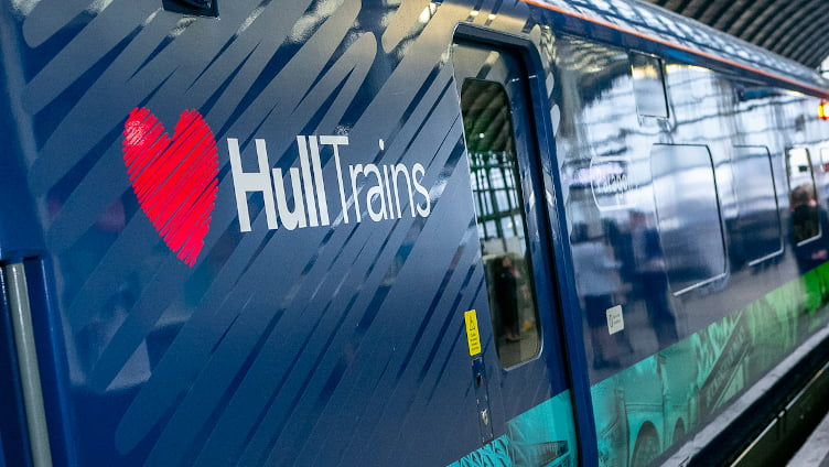 Hull Trains Paragon Logo